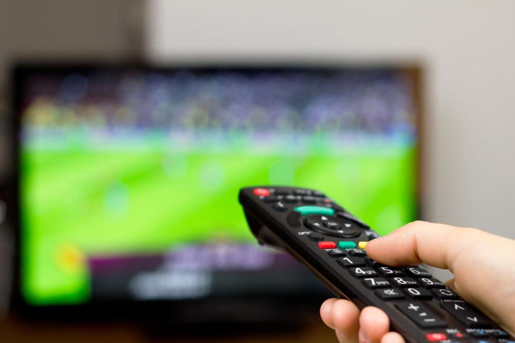 Реклама лого букмекеров во время трансляций